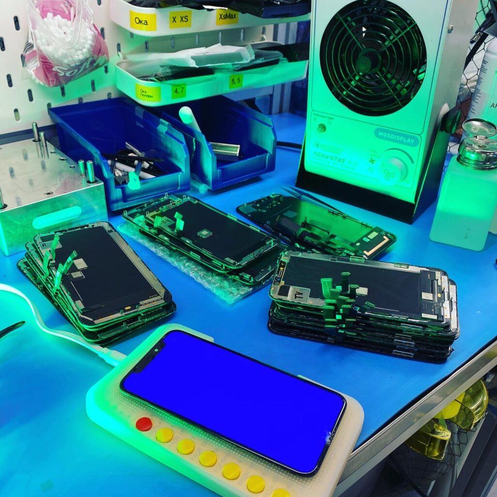 Как мастерские по ремонту получают оригинальные экраны iPhone в обход компании Apple? И как Apple с этим борется